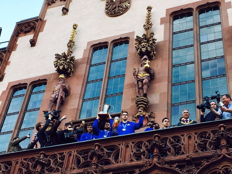 Fraport Skyliners were given a mayoral reception upon returning home as FIBA Europe Cup champions